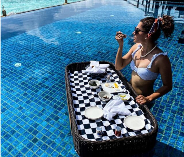 Taapsee Pannu Enjoys Floating Breakfast During her Maldives Vacation