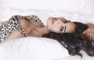 Sonal Chauhan turns up the heat with her latest picture