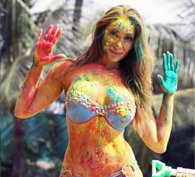 sofia hayat shares bold pictures in holi