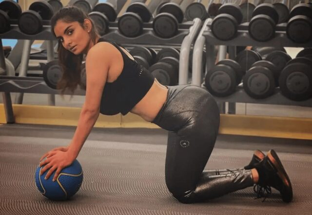 Anveshi Jain Turns up the heat with her Sexy Gym Outfit
